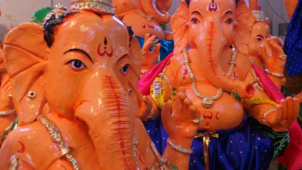 Ganapathi Idols in clay