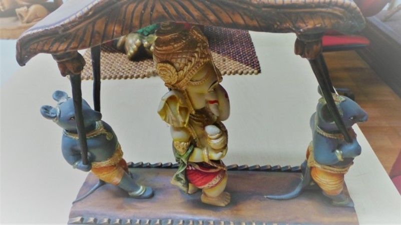 Ganapathi sculptures and paintings