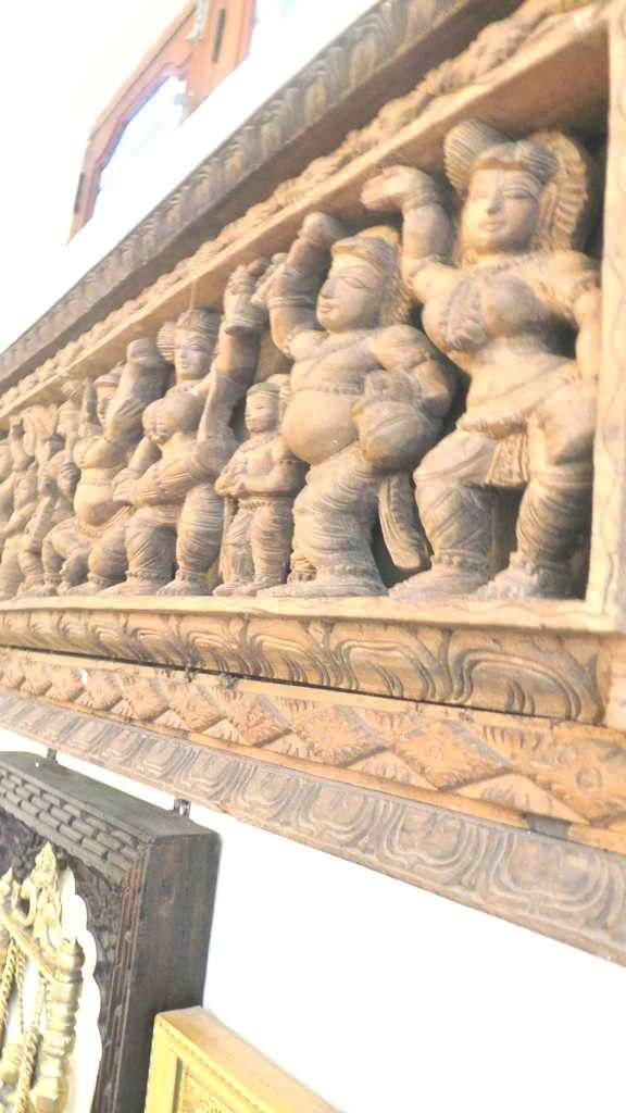 #kinhal #hometour #indianhome #cornerdecor #indiandecor #VasudhaKumar #carvedpanel